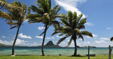 Fiji Island Cruises